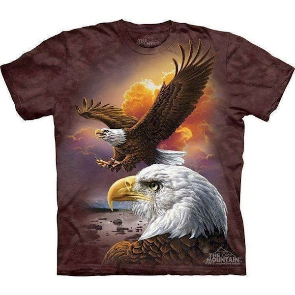 Eagle and clouds t-shirt fra N/A på mypets.dk